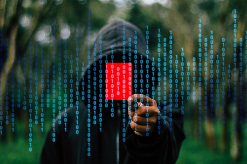 hacker-1872291_1920.jpg